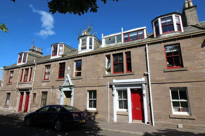 2 Bedrooms Flat for sale in Wellington Place, Montrose, DD10