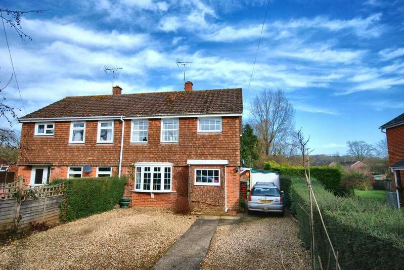 3 Bedrooms Semi Detached House for sale in High Street, Damerham, Fordingbridge, Hampshire, SP6