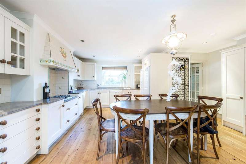 4 Bedrooms End Of Terrace House for sale in Fulham Road, Chelsea, London