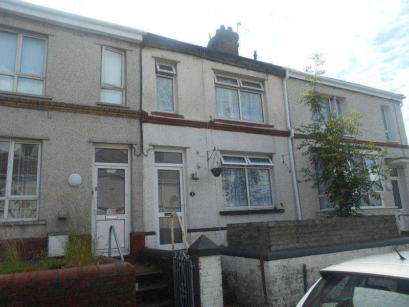 4 Bedrooms Terraced House for sale in Wallace Road, Neath, Neath Port Talbot.