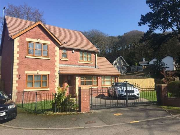 4 Bedrooms Detached House for sale in Gardners Lane, Neath, Neath, West Glamorgan