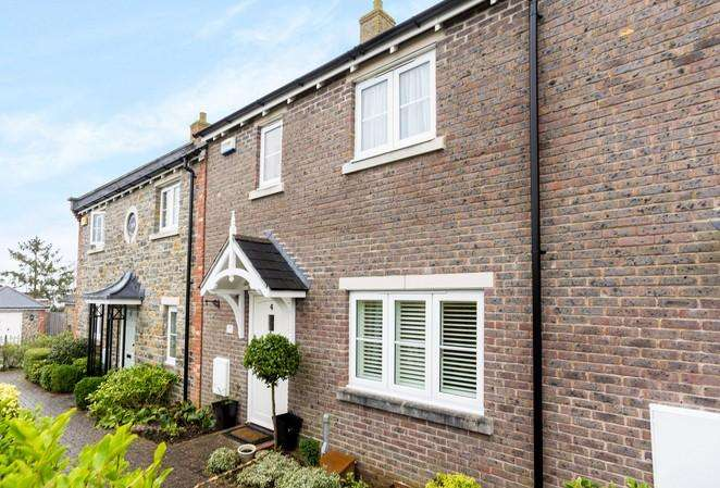 3 Bedrooms Terraced House for sale in Stapleford Court, Stalbridge, Sturminster Newton