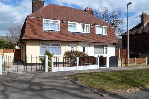 3 Bedrooms Semi Detached House for sale in Benchill Road, Manchester