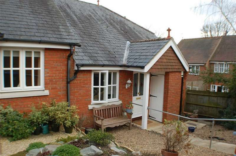 2 Bedrooms Semi Detached Bungalow for sale in Church Place, WELWYN, Hertfordshire