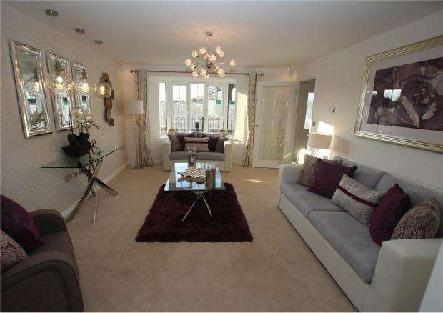 4 Bedrooms Detached House for sale in Heather Gardens, Off Back Lane,, Hethersett,, Norwich,