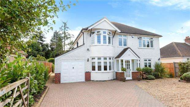 4 Bedrooms Detached House for sale in Reading Road, Winnersh, Wokingham