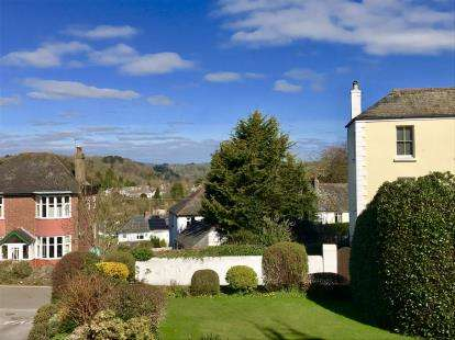 1 Bedroom Flat for sale in Plymouth Road, Totnes, .
