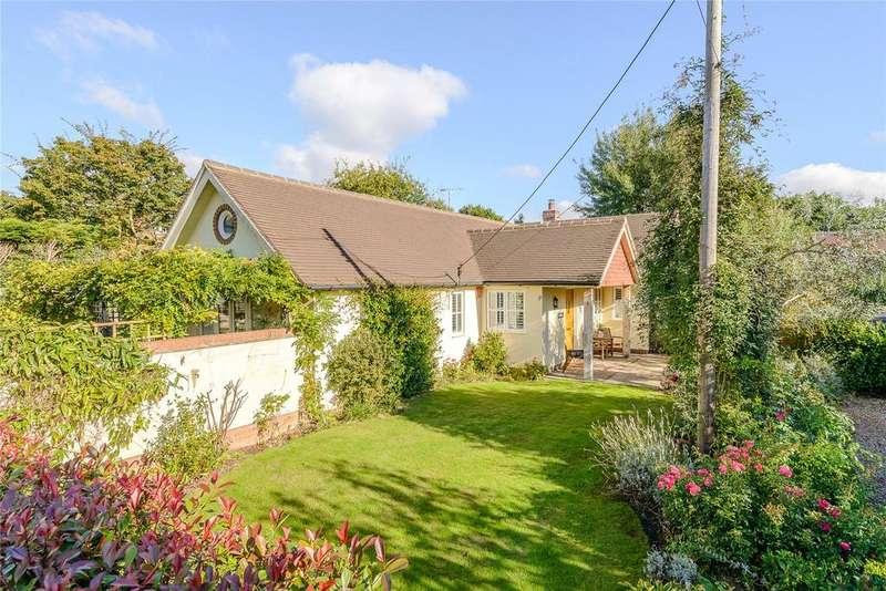 2 Bedrooms Detached Bungalow for sale in Baigents Lane, Windlesham, Surrey