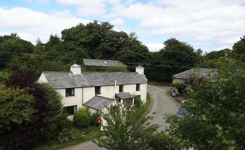 4 Bedrooms Detached House for sale in Higher Larrick, Trebullett