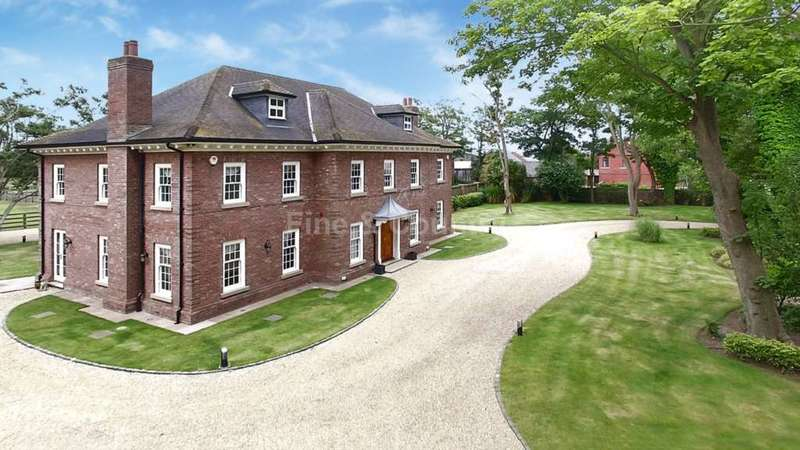 6 Bedrooms Detached House for sale in Southport Old Road, Formby