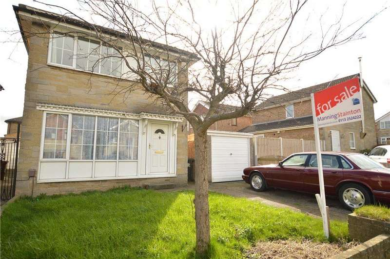 3 Bedrooms Detached House for sale in Bruntcliffe Drive, Morley, Leeds
