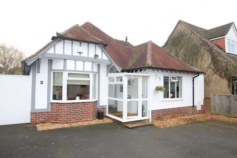 2 Bedrooms Bungalow for sale in Twynham Road