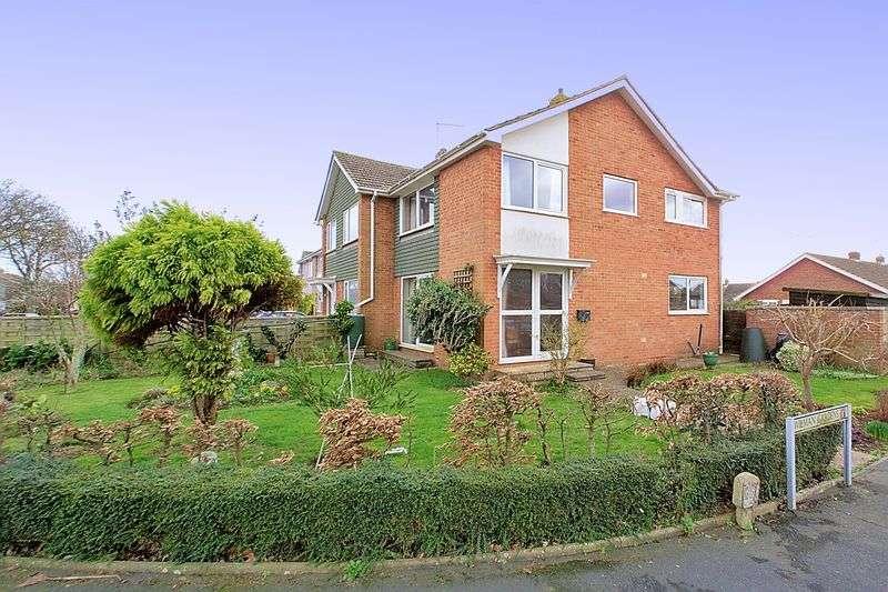 3 Bedrooms Semi Detached House for sale in Wilman Gardens, Bognor Regis, PO21