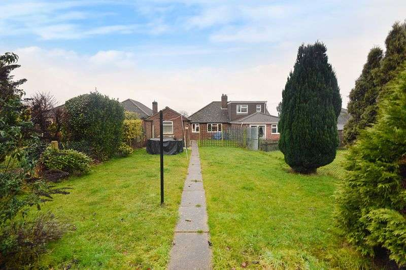 2 Bedrooms Semi Detached Bungalow for sale in Breckland Road, New Costessey, Norwich