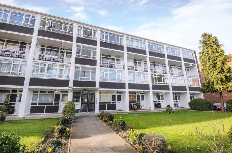 2 Bedrooms Flat for sale in Kersfield Road, London