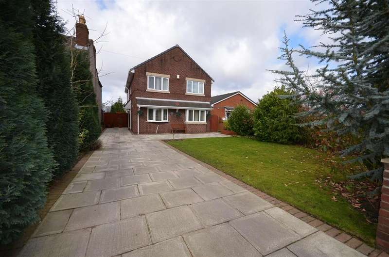 4 Bedrooms Detached House for sale in Crawford Road, Crawford Village