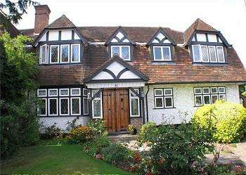 6 Bedrooms Semi Detached House for sale in Lake View, 129 High Street, Edgware HA8