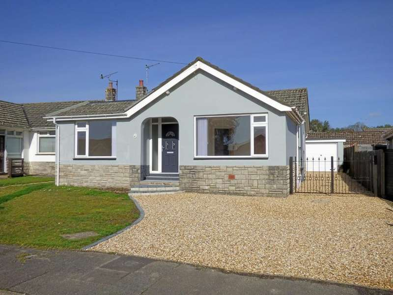 3 Bedrooms Detached Bungalow for sale in Broadstone, Dorset
