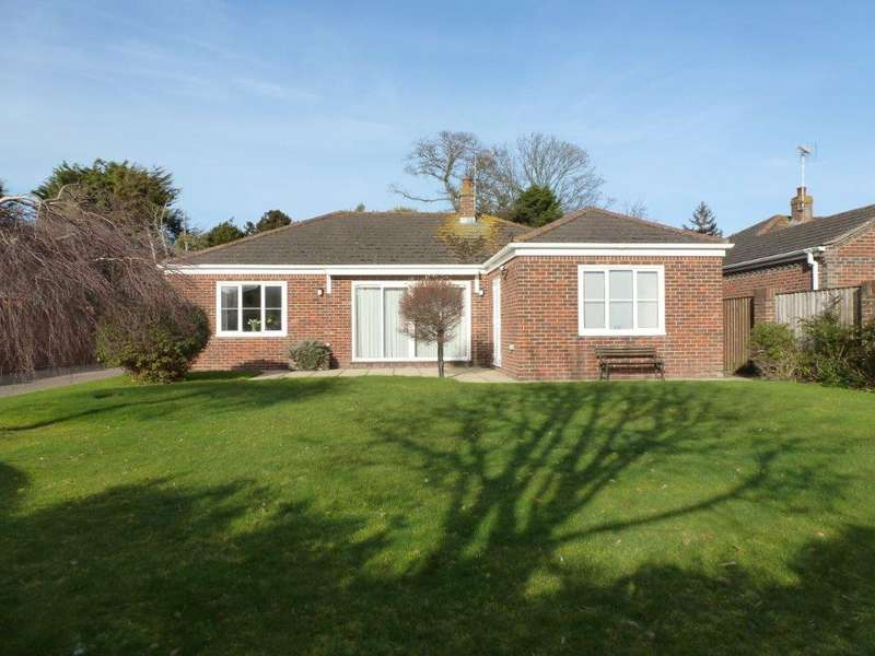 3 Bedrooms Detached Bungalow for sale in Colts Bay, Aldwick, Bognor Regis PO21
