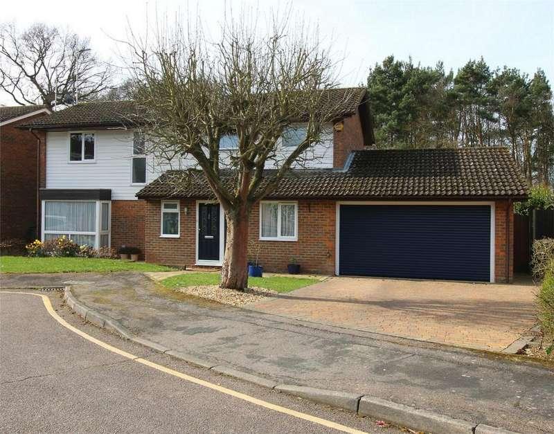 4 Bedrooms Detached House for sale in Turner Close, Stevenage, Hertfordshire