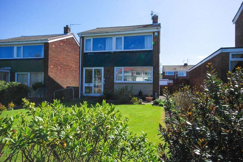 3 Bedrooms Detached House for sale in Dunstanburgh Court, Wardley