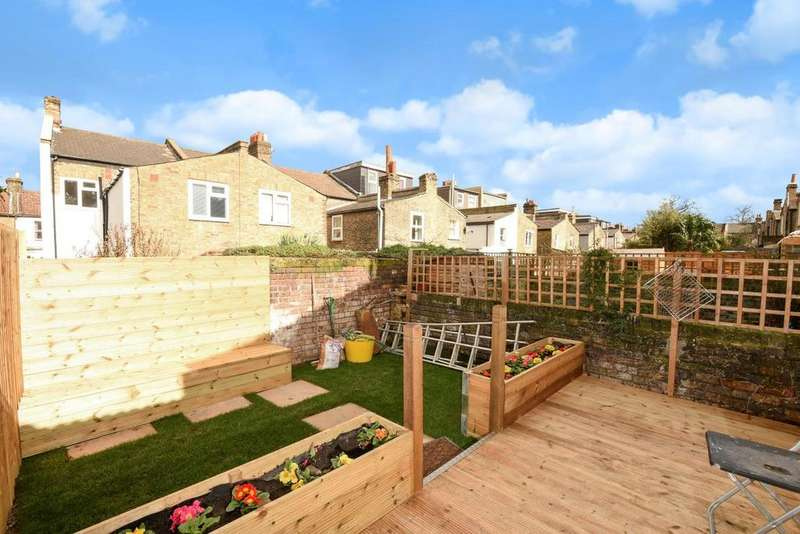 2 Bedrooms Flat for sale in Kemerton Road, Camberwell, SE5