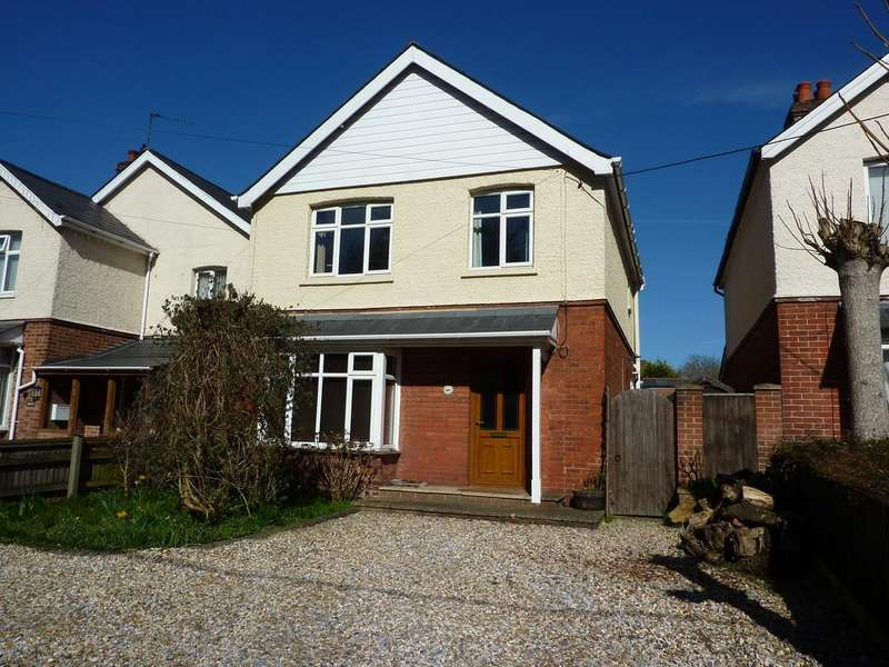 3 Bedrooms Detached House for sale in Charlton Road, Andover