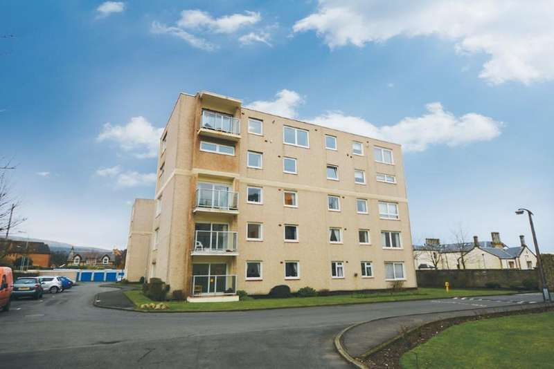 3 Bedrooms Flat for sale in 57 Castlebay Court, Largs, KA30 8DP