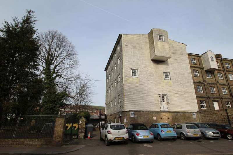1 Bedroom Flat for sale in London Road, Dover, CT17
