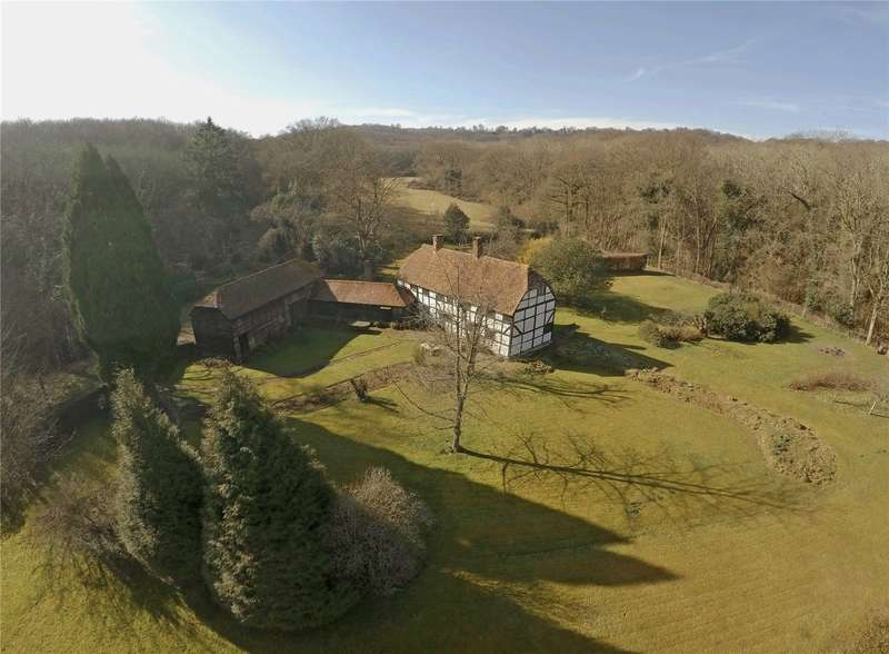 3 Bedrooms Detached House for sale in Wisborough Green, West Sussex