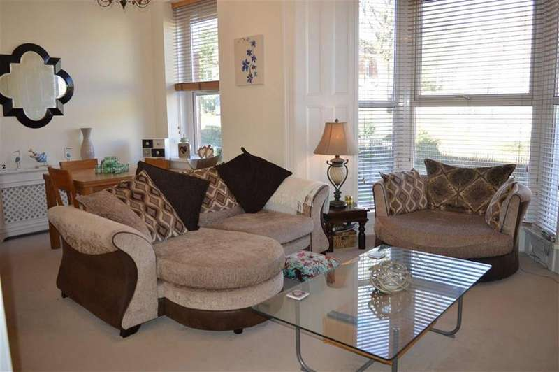 1 Bedroom Flat for sale in Sketty Road, Swansea, SA2