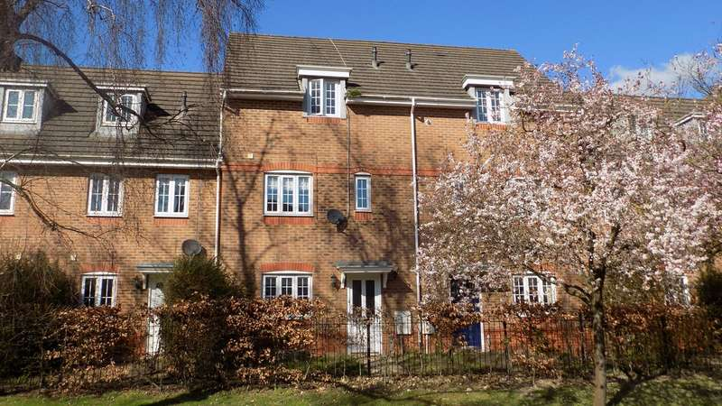 4 Bedrooms Town House for sale in Fox Court, Aldershot, GU12