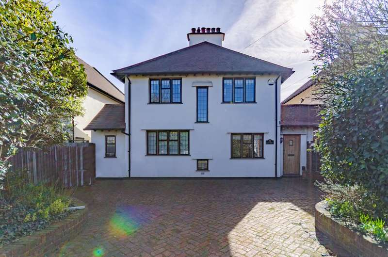 4 Bedrooms House for sale in Palmerston Road, Buckhurst Hill, IG9