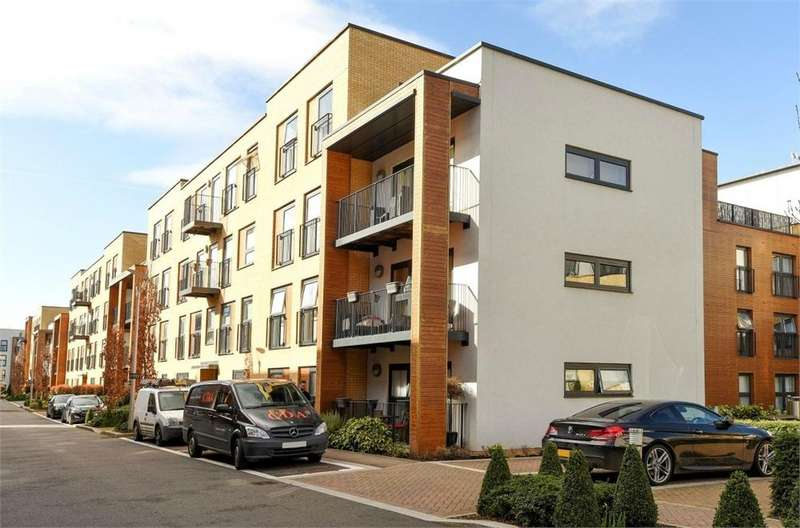 2 Bedrooms Flat for sale in Bletchley Court, Letchworth Road, Stanmore, Greater London
