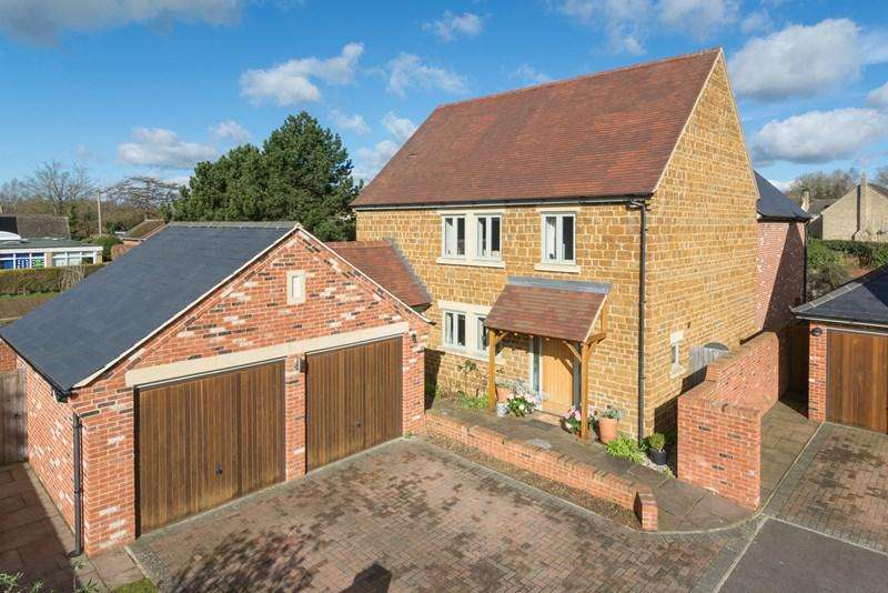 4 Bedrooms Detached House for sale in Earls Close, Deddington, Banbury