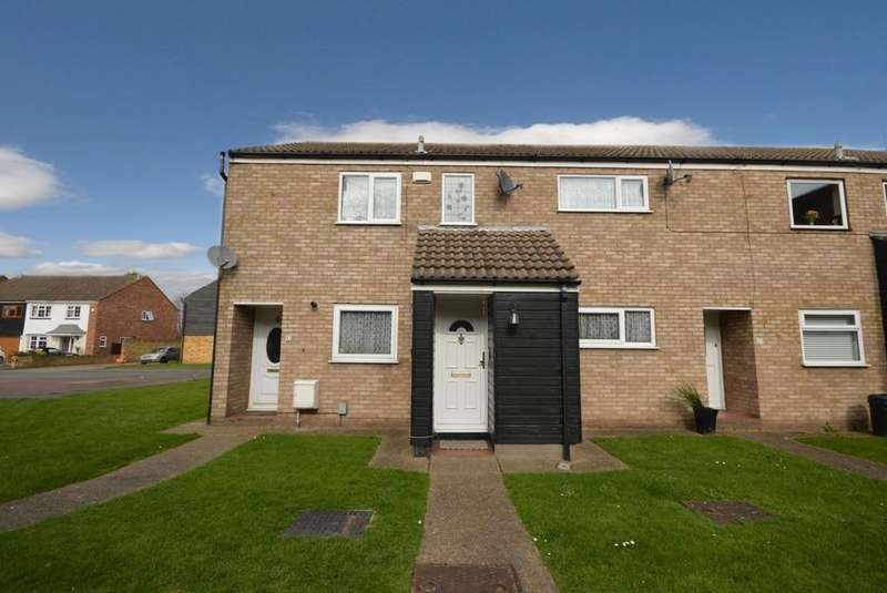 2 Bedrooms Maisonette Flat for sale in Maytree Close, Rainham, Essex, RM13