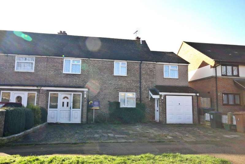 4 Bedrooms Semi Detached House for sale in Scott Avenue, Stanstead Abbotts