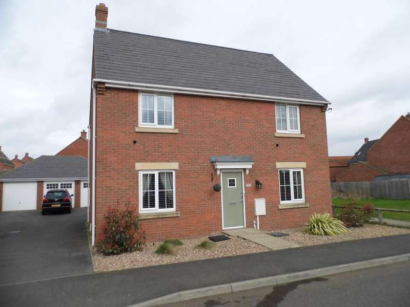 4 Bedrooms Detached House for sale in Ironwood Avenue, Desborough, NN14 2JJ