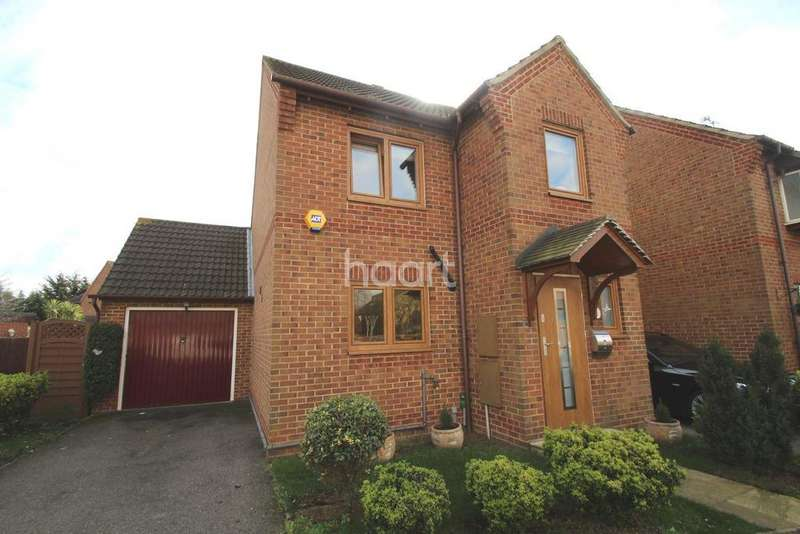 3 Bedrooms Detached House for sale in Ewan Road, Harold Wood