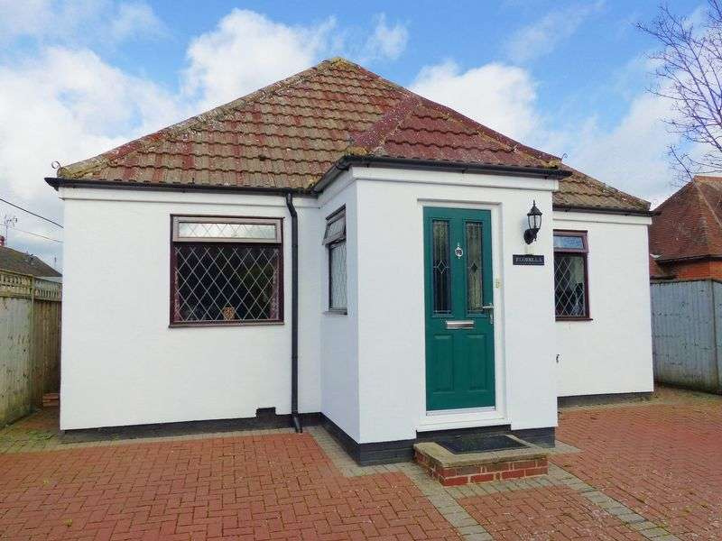 3 Bedrooms Detached Bungalow for sale in Wethered Road, Marlow
