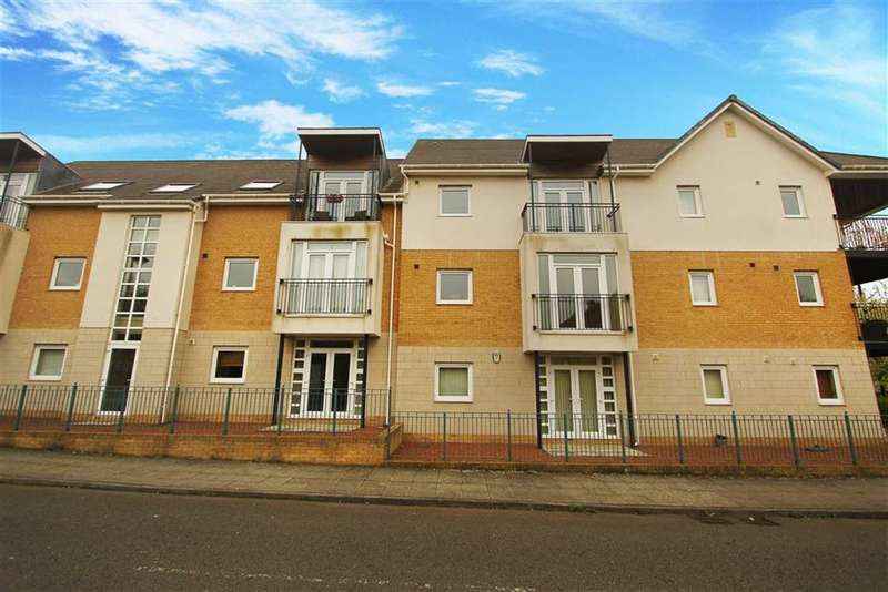 2 Bedrooms Flat for sale in Brandling Court, North Shields