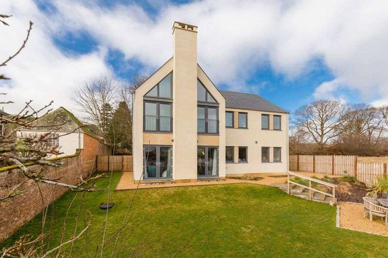5 Bedrooms House for sale in McKercher House, Bonnington Road, Peebles, EH45 9HF