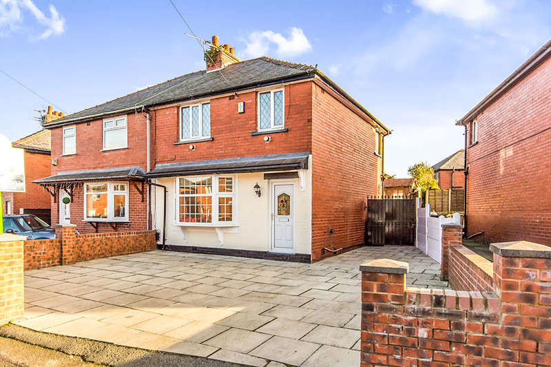 3 Bedrooms Semi Detached House for sale in Pilkington Road, Kearsley, Bolton, BL4
