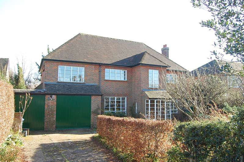 4 Bedrooms Detached House for sale in Joiners Lane, Chalfont St Peter, SL9