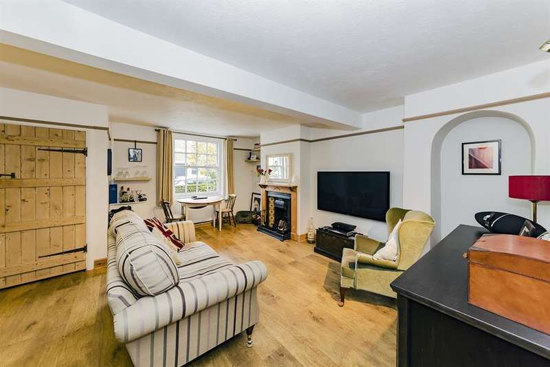 2 Bedrooms Cottage House for sale in Church Cottage , Selden Lane, Worthing , BN11 2BN
