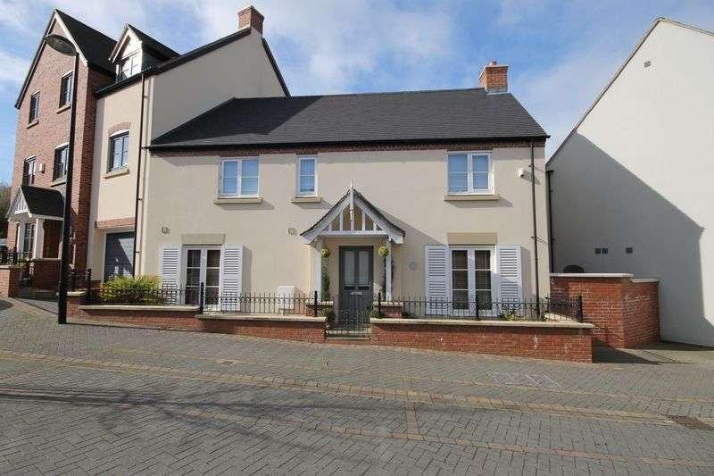 3 Bedrooms House for sale in St Johns Walk, Telford