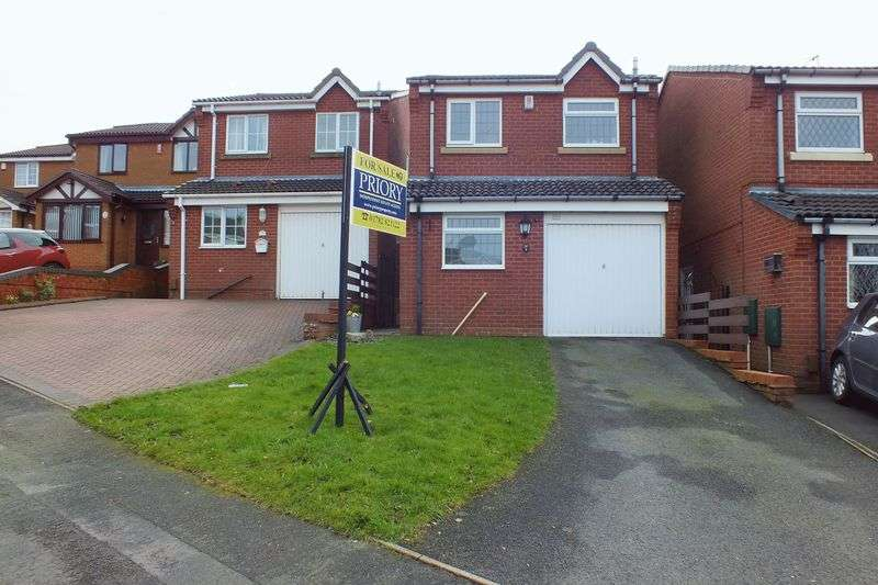 3 Bedrooms Detached House for sale in Crowndale Place, Packmoor, Stoke on Trent
