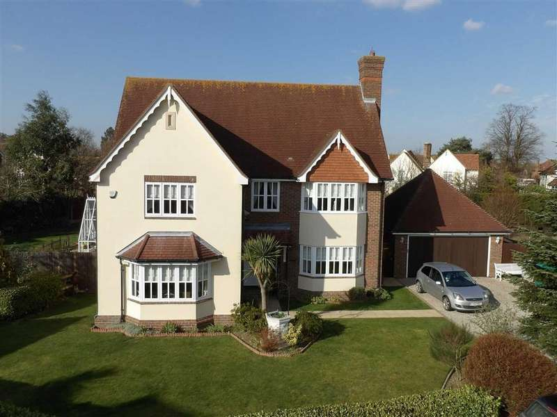 5 Bedrooms Detached House for sale in Compass Gardens, Burnham-on-Crouch, Essex