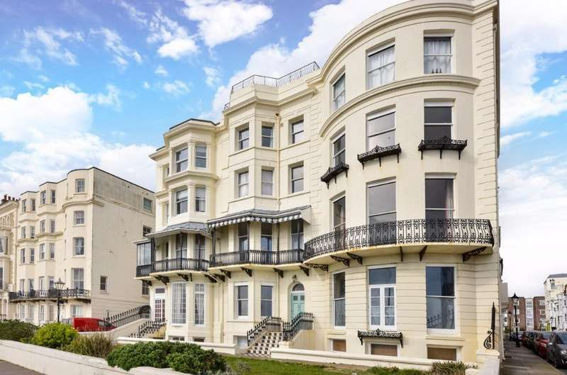 2 Bedrooms Flat for sale in Marine Parade Brighton BN2