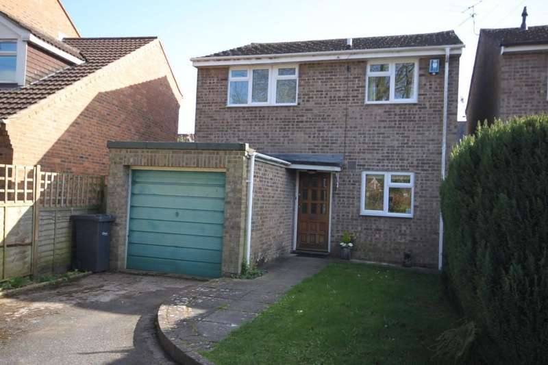 3 Bedrooms Detached House for sale in VICTORIA CLOSE, WILTON, WILTSHIRE
